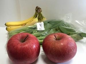 小松菜とりんごのスムージー材料