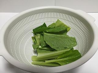 小松菜とりんごのスムージー材料小松菜