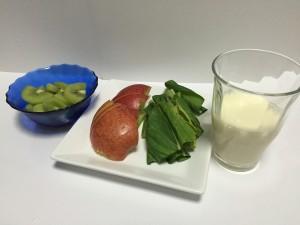 キウイと豆乳のグリーンスムージー材料