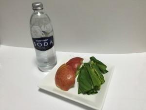 りんごと炭酸水の便秘解消グリーンスムージー材料