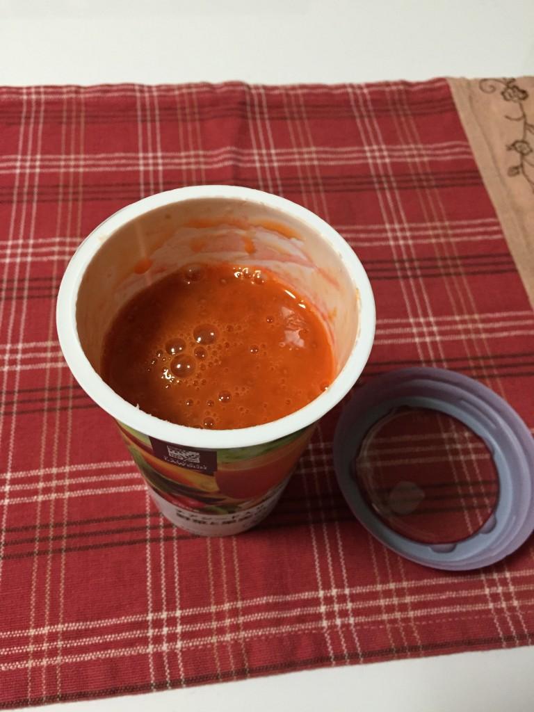 チアシード入り野菜と果実のスムージー2